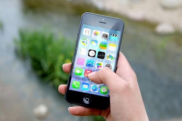 Los españoles usamos Apps y compartimos noticias vía whatsapp
