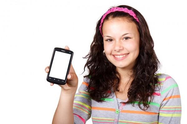 A los 12 años ya el 70 por ciento de los niños tiene móvil, incrementándose este porcentaje hasta un 83 por ciento a la edad de 14 años.