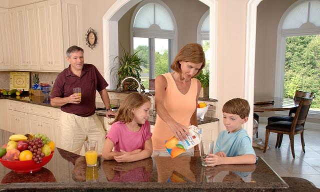 La vida cotidiana de las familias y su comunicación se ven afectadas por la aparición de los móviles en los hogares