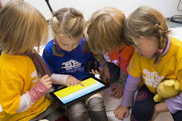 Las tablets son didácticas pero necesitan la supervisión parental