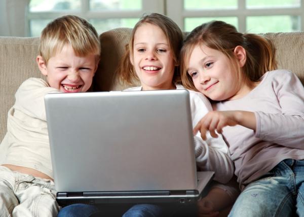 A pesar de las limitaciones temporales que aconsejan los expertos, hay una tendencia a abusar del tiempo recomendado, que llega incluso a triplicarse en algunos niños.