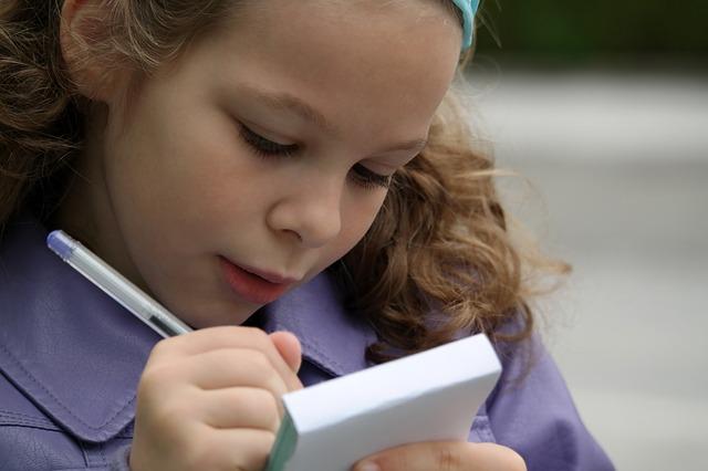 Enseñemos a nuestros hijos a leer, a escribir, ¡y a hablar!
