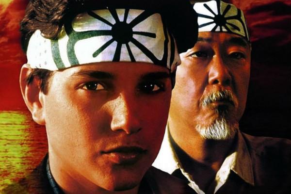Karate Kid es un ejemplo de niño que padece bullying con el escenario terapéutico de las artes marciales. Haz clic en la imagen para ver películas sobre bullying.