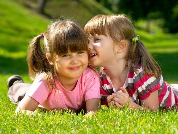 La pediculosis es más propio de niñas que de niños, seguramente por sus juegos más tranquilos que facilitan la proximidad