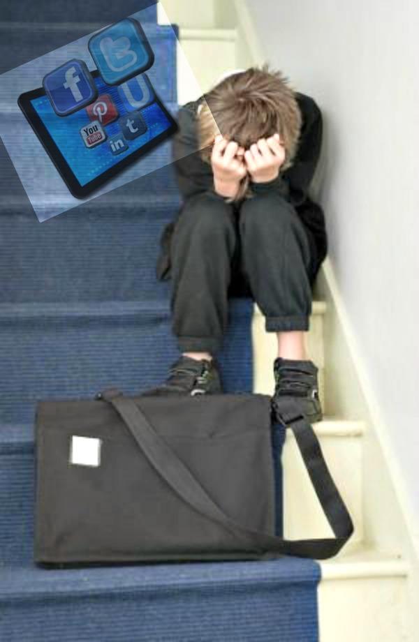 Los padres y educadores tenemos que ser muy conscientes de las peligrosas consecuencias del ciberbullying