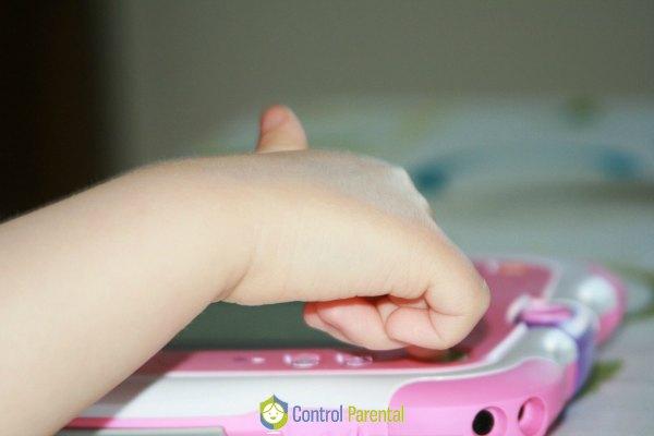 Los niños aprenden tecnología desde los dos años