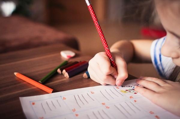 Nuestros jóvenes ¿en peligro de no saber ni hablar ni escribir con propiedad?