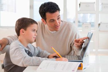 Los padres les debemos guiar en sus primeros pasos en las TIC