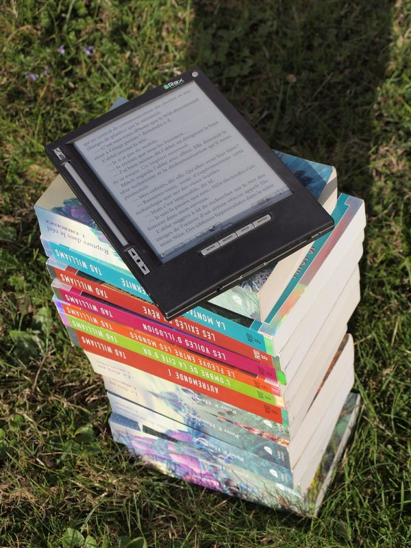 books-1176150_1280