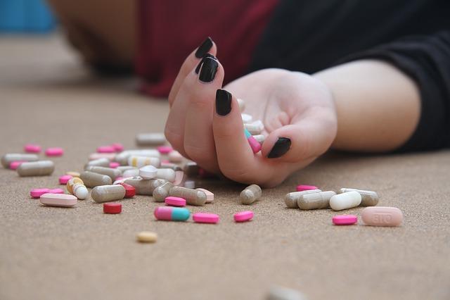Las niñas son más propensas a pensar en el suicidio que los niños